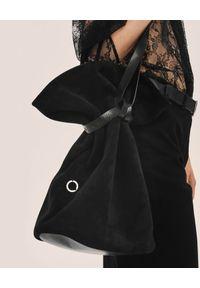 ANIA KUCZYŃSKA - Torba Amica Grande. Kolor: czarny. Materiał: zamszowe. Styl: elegancki, sportowy