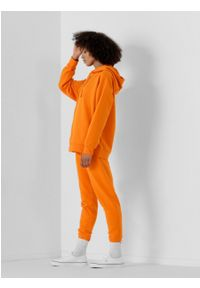 outhorn - Spodnie dresowe damskie. Materiał: dresówka. Wzór: aplikacja