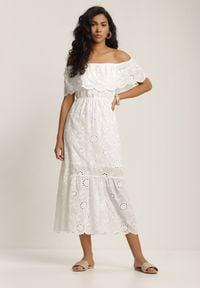 Renee - Biała Sukienka Leumene. Typ kołnierza: dekolt hiszpanka. Kolor: biały. Materiał: bawełna, koronka. Wzór: haft, kwiaty. Długość: midi
