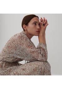 Reserved - Wzorzysta sukienka - Kremowy. Kolor: kremowy