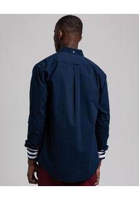 GANT - Granatowa koszula na długi rękaw z logo. Kolor: niebieski. Materiał: bawełna. Długość rękawa: długi rękaw. Długość: długie. Styl: klasyczny