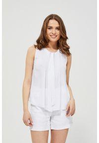 Biała koszula MOODO bez rękawów, w koronkowe wzory