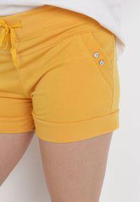 Born2be - Żółte Szorty Dresowe Amadenah. Kolor: żółty. Materiał: dresówka