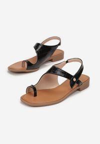 Renee - Czarne Sandały Mystalise. Nosek buta: okrągły. Zapięcie: bez zapięcia. Kolor: czarny. Materiał: skóra. Wzór: aplikacja. Obcas: na obcasie. Wysokość obcasa: niski