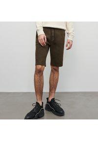 Reserved - Szorty z elastycznym pasem - Khaki. Kolor: brązowy