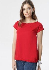 Born2be - Czerwony T-shirt Caliphei. Kolor: czerwony