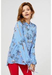 MOODO - Długa koszula z kwiatowym motywem. Materiał: wiskoza, poliester. Długość rękawa: długi rękaw. Długość: długie. Wzór: kwiaty