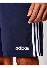 Niebieskie spodenki sportowe Adidas