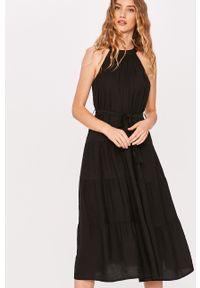 Czarna sukienka Answear Lab na co dzień, wakacyjna