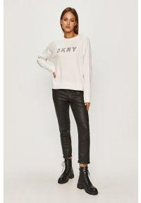 Biała bluza DKNY z nadrukiem, bez kaptura, raglanowy rękaw