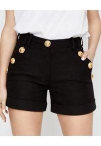 Balmain - BALMAIN - Czarne szorty ze złotymi guzikami. Kolor: czarny. Materiał: materiał. Styl: klasyczny