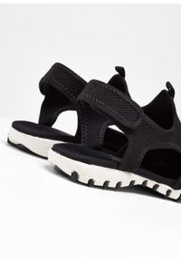 Sandały trekkingowe bonprix czarno-biały. Kolor: czarny. Styl: sportowy