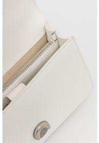 Pinko - Torebka skórzana. Kolor: biały. Materiał: skórzane. Rodzaj torebki: na ramię