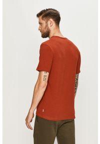 Brązowy t-shirt Premium by Jack&Jones casualowy, z okrągłym kołnierzem, na co dzień, z nadrukiem