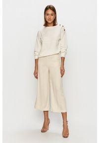 Biała bluza Jacqueline de Yong bez kaptura, z aplikacjami