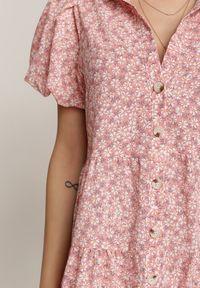 Renee - Różowa Sukienka Ethertise. Kolor: różowy. Wzór: kwiaty. Styl: elegancki