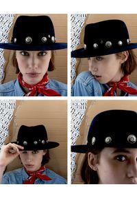 MAISON MICHEL PARIS - Granatowy kapelusz Thadee. Kolor: niebieski. Materiał: materiał. Wzór: aplikacja