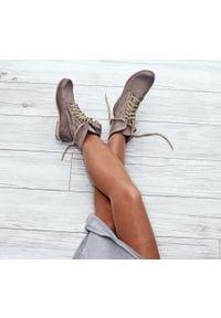 Zapato - dziurkowane botki za kostkę - skóra naturalna - model 428 - kolor cappuccino. Okazja: na spacer. Wysokość cholewki: za kostkę. Materiał: skóra. Wzór: ażurowy. Styl: sportowy