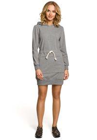 MOE - Sportowa sukienka bluza z kapturem i kieszenią typu kangurek. Typ kołnierza: kaptur. Materiał: lycra, bawełna, materiał. Długość rękawa: długi rękaw. Typ sukienki: sportowe. Styl: sportowy