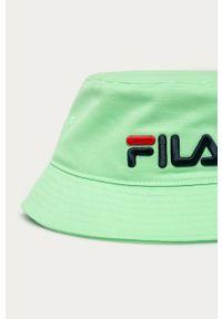 Zielony kapelusz Fila z aplikacjami