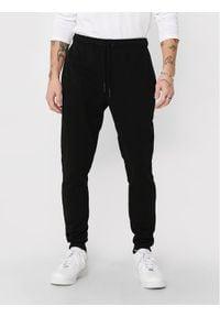 Only & Sons - ONLY & SONS Spodnie dresowe Ceres 22018686 Czarny Regular Fit. Kolor: czarny. Materiał: dresówka