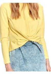 TOP SECRET - Gładka bluza z zakładką z przodu. Kolor: żółty. Materiał: tkanina. Długość: długie. Wzór: gładki. Sezon: wiosna
