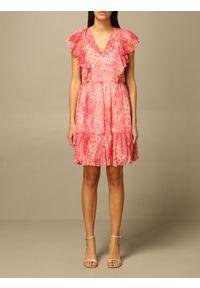 TwinSet - Sukienka z falbanami motyw kwiatowy Twinset. Kolor: różowy. Materiał: poliester. Długość rękawa: krótki rękaw. Wzór: kwiaty. Typ sukienki: dopasowane. Styl: klasyczny