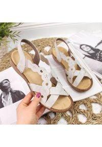 Sandały skórzane damskie rzymianki beżowe Rieker 60865. Kolor: beżowy. Materiał: skóra