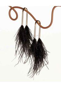 CULT GAIA - Kolczyki z piórami Meta. Materiał: z mosiądzu. Kolor: czarny