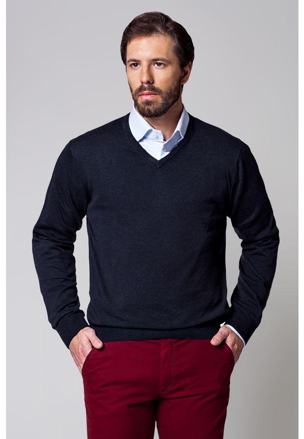 Szary sweter Lancerto klasyczny, w kolorowe wzory, na wiosnę