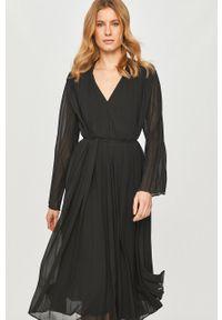 Samsoe & Samsoe - Samsoe Samsoe - Sukienka. Kolor: czarny. Materiał: tkanina. Długość rękawa: długi rękaw. Wzór: gładki. Typ sukienki: plisowane #5