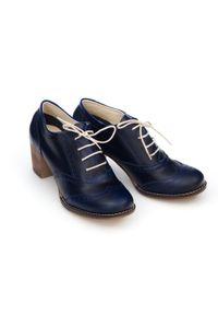 Zapato - sznurowane półbuty na 6 cm słupku - skóra naturalna - model 251 - kolor niebieska przecierka. Kolor: niebieski. Materiał: skóra. Obcas: na słupku