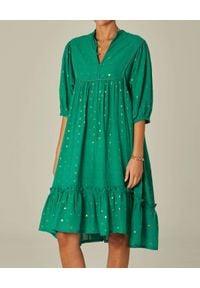 M.A.B.E - Zielona sukienka midi Zadie. Kolor: zielony. Materiał: bawełna. Wzór: kropki. Długość: midi