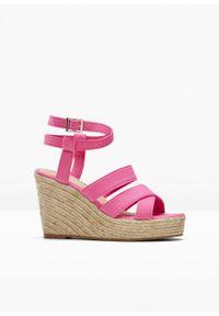 Różowe sandały bonprix na koturnie, z paskami