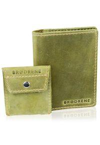 Zielony portfel BRODRENE w kolorowe wzory