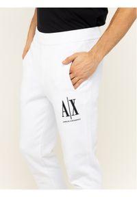 Białe spodnie dresowe Armani Exchange
