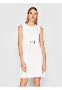 Rinascimento Sukienka codzienna CFC0102458003 Biały Regular Fit. Okazja: na co dzień. Kolor: biały. Typ sukienki: proste. Styl: casual