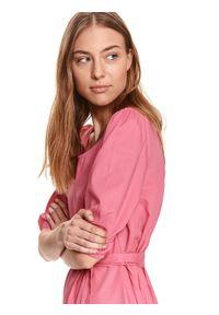 TOP SECRET - Sukienka z wiązaniem w talii. Kolor: różowy. Materiał: tkanina, bawełna. Sezon: lato