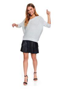 TOP SECRET - Sweter długi rękaw damski akrylowy, z metalizowaną nicią luźny. Okazja: do pracy. Typ kołnierza: dekolt w serek. Kolor: szary. Materiał: akryl. Długość rękawa: długi rękaw. Długość: długie. Sezon: wiosna