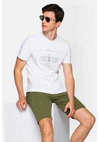 Lancerto - Koszulka Biała Rory. Okazja: na co dzień. Kolor: biały. Materiał: włókno, materiał, bawełna. Wzór: aplikacja, nadruk. Styl: klasyczny, casual, retro