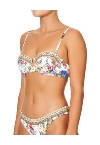 Camilla - CAMILLA - Top od bikini By The Medow. Kolor: biały. Materiał: tkanina, nylon. Wzór: aplikacja, paski, kwiaty