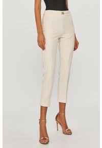 Różowe spodnie materiałowe Silvian Heach klasyczne, gładkie