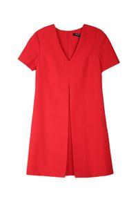 Czerwona sukienka TOP SECRET z dekoltem w serek, na wiosnę, elegancka