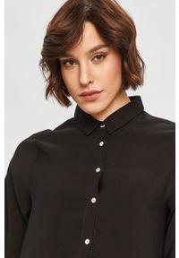 Czarna sukienka Answear Lab z długim rękawem, oversize, na co dzień, mini