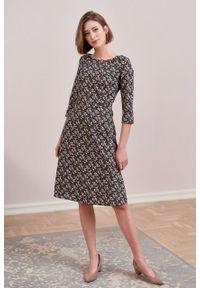 Marie Zélie - Sukienka Asteria Riccia. Materiał: bawełna, skóra, materiał. Wzór: gładki. Typ sukienki: trapezowe. Styl: klasyczny