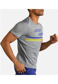 Brooks Running - Distance Graphic Short Sleeve. Materiał: lyocell, materiał. Sport: fitness, bieganie