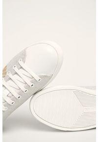 Białe buty sportowe Emporio Armani na obcasie, na sznurówki, z cholewką