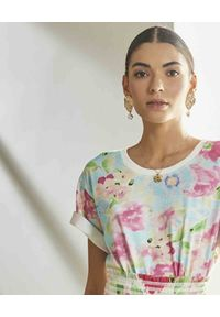 ROCOCO SAND - T-shirt z kwiatowym nadrukiem. Okazja: na co dzień. Kolor: zielony. Materiał: bawełna. Wzór: kwiaty, nadruk. Sezon: wiosna. Styl: casual