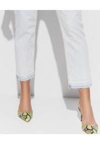 Pinko - PINKO - Jasnoniebieskie jeansy z wysokim stanem Sandy. Okazja: na co dzień. Stan: podwyższony. Kolor: niebieski. Wzór: aplikacja. Styl: casual