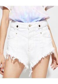 RETROFETE - Białe szorty Tessa. Stan: podwyższony. Kolor: biały. Materiał: koronka, bawełna, jeans. Wzór: koronka. Sezon: lato. Styl: elegancki